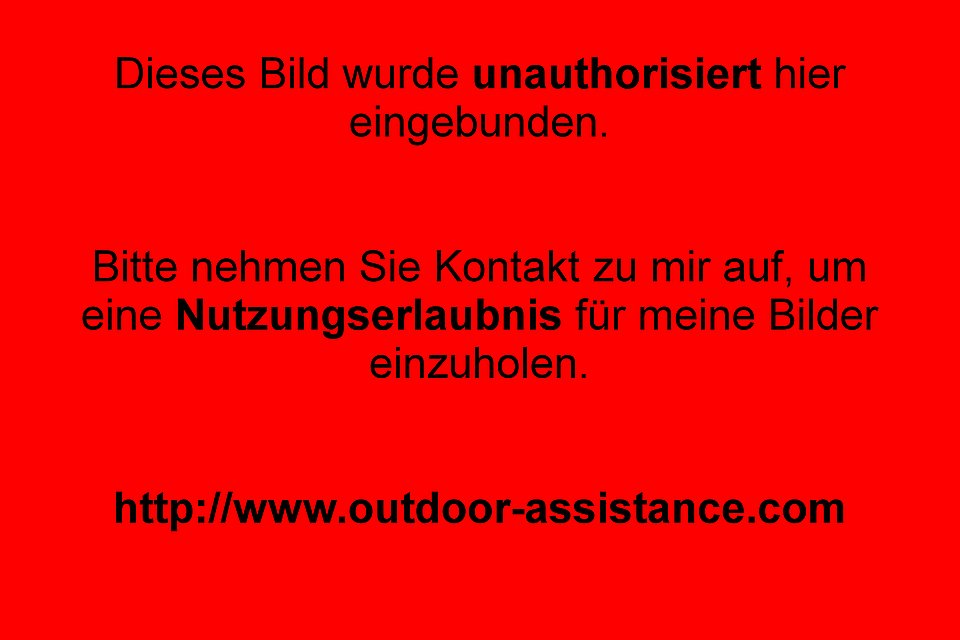 OUTDOOR ASSISTANCE transportiert OUTDOOR EQUIPMENT (bspw. Kanus) von A nach B